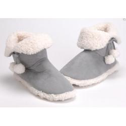 Zapatillas bota pompones gris